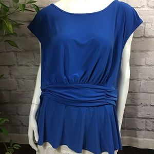 🌻 SALE! 3/$20 Electric blue gathered plus 24W top